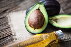 How to use avocado oil in the hair?